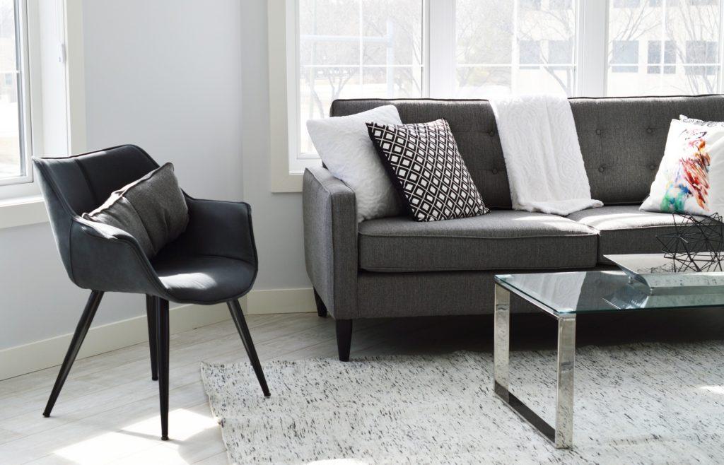 living-room de-cluttering